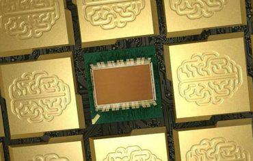 ชิป SyNAPSE ที่ทำงานได้เหมือนกับสมองของมนุษย์